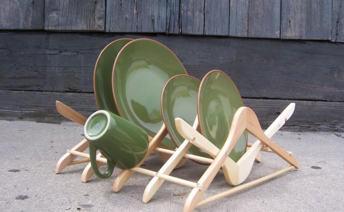 DIY Coat Hanger Dish Drain